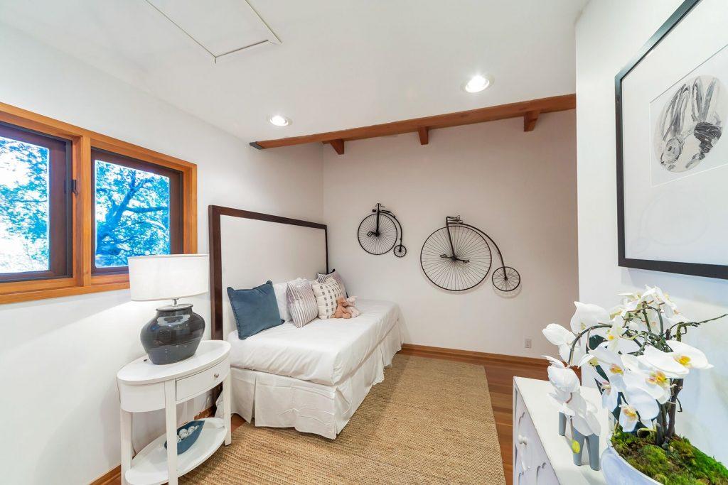 small bedroom wall art