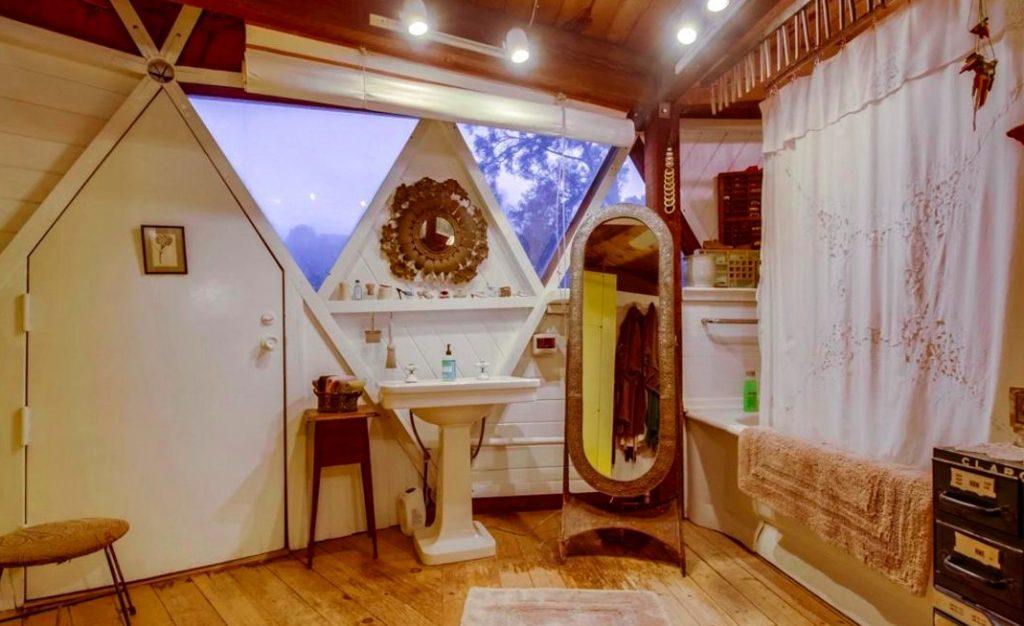 Dome house topanga canyon bathroom