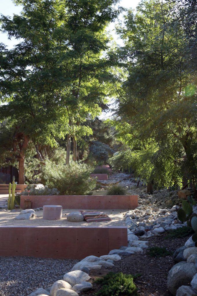 dry creek for the dry garden rocks