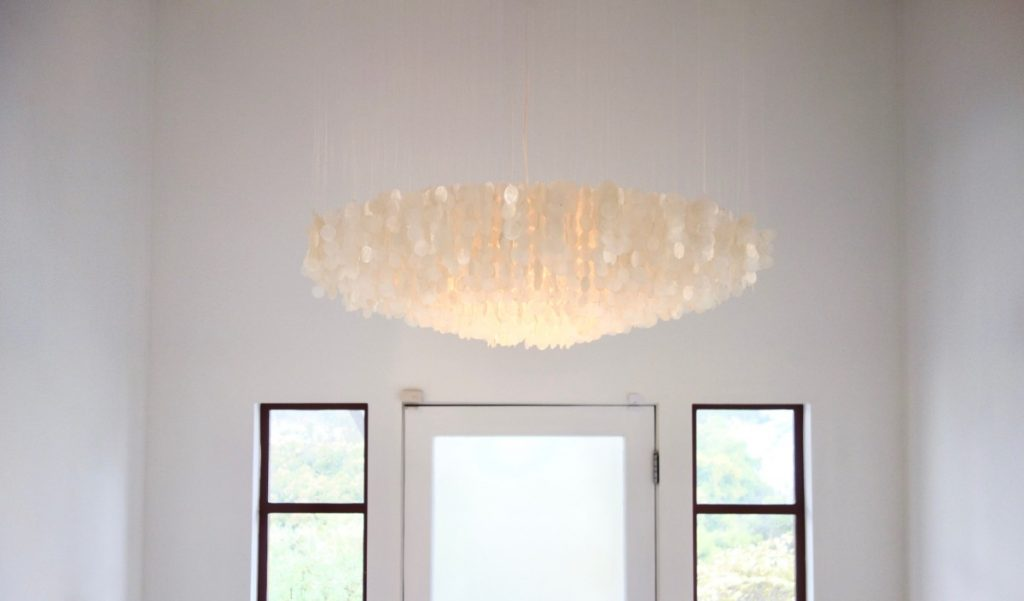 entry light fixture with circles