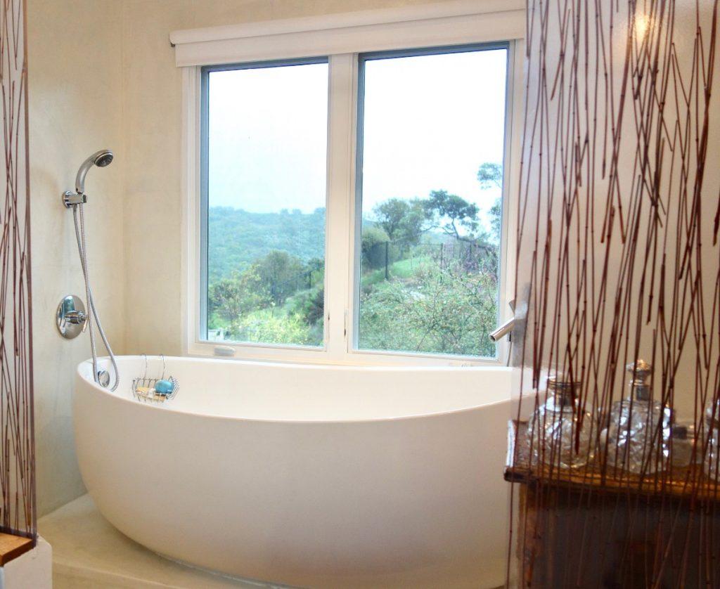 freestanding tub bathroom